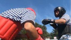 初來乍到 劉公島新兵竟向拳擊冠軍班長發起了挑戰