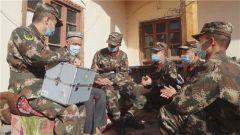 暖心重陽節!武警喀什支隊官兵為幫扶村老人送溫暖
