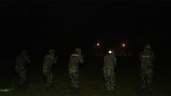 武警重慶總隊某支隊:夜間實彈訓練 磨礪過硬特戰尖兵