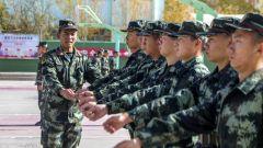 武警甘肅總隊新訓三大隊因人施教  提高新兵訓練質量