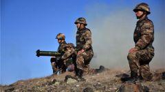 练强本领 守好边防!新疆军区某边防团开展重火器实弹射击训练