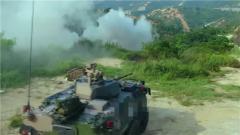 裝甲出擊 野外駐訓戰味十足