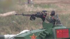 决赛赛场完美命中目标靶!俄罗斯将军为中国队员点赞