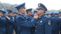 西部戰區空軍某新訓旅:新兵授銜 與空軍共同成長