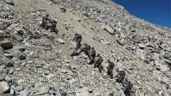 缺氧!窒息感!高山之巔上的70度陡坡 戰士們該如何翻越?