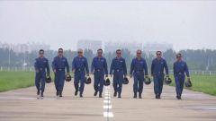 MV《人民空军忠于党》:铿锵有力 让人热血沸腾