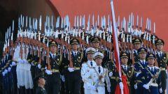 【在習近平強軍思想指引下·我們在戰位報告】中國人民解放軍儀仗大隊國旗護衛隊執行國旗升降任務記事