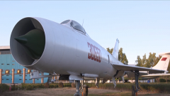 高空高速戰機殲-8:我國首架自行研制的中型戰斗機