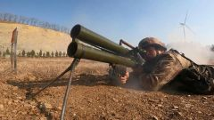 【直击演训场】陆军第71集团军某合成旅实打实爆 多兵种展开重火器射击
