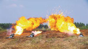 海軍陸戰隊某旅戰術綜合演練拉開戰幕,空地協同礪精兵