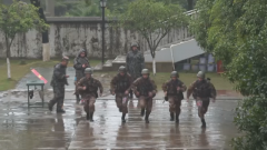 中部战区陆军某舟桥旅组织全能尖兵大比武