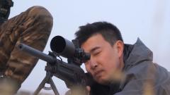拿撲克牌做靶子?記者親身體驗特戰狙擊訓練