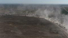 實彈考核火炮爭鳴 重炮挺進大漠戈壁