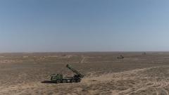 重炮挺近大漠戈壁 直擊火炮射擊的戰前準備