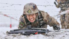 新疆軍區某團:零下20℃!冰天雪地錘煉制勝本領