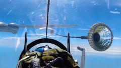 【第一军视】空中加油有多难?战机加油训练全过程曝光