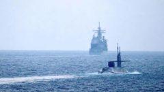 专家:用导弹回应火箭弹 美核潜艇高调进入波斯湾威慑伊朗