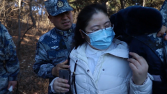 暖心!军嫂李小敬到营区后 丈夫做的第一件事是给她披上棉衣