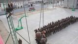 1月4号,西藏军区某旅开展重难点课目训练,他们在海拔4600多米的某高原演兵场,从难从严摔打部队,锤炼部队高强度机动、全地形适应能力。