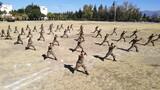 """1月4日,陆军第75集团军某合成旅举办""""铁骑猛虎杯""""军事体育运动会,掀起练兵热潮。"""
