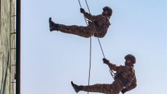广西贺州:开训即开战  直击武警特战队员实战练兵