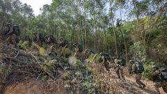 广西南宁:武警特战队员野外多课目训练锤炼实战能力