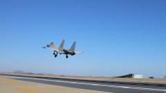 海军航空大学某试训基地圆满完成新年度开飞训练