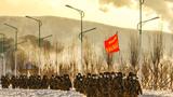 近日,在零下27℃的恶劣天候环境下,黑龙江省鸡西市滴道区人民武装部展开抢险救灾课题演练,他们把演练当实战,把行军当战斗,检验官兵走、打、保等综合保障能力。
