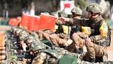 连日来,武警各部队真打实备磨砺官兵战斗精神,他们把严格训练作为育血性、练胆魄、砺斗志的实践舞台,持续强化带兵打仗、练兵打仗、准备打仗思想,深入推进实战化训练,全面提高部队打赢能力。下面跟随记者的镜头感受练兵场上官兵虎虎生威的精气神。图为武警云南总队开展射击训练考核。