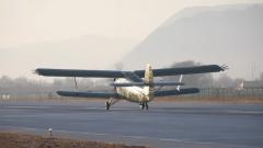 空军某运输搜救团一大队:让沙漠变绿洲 让百姓奔小康
