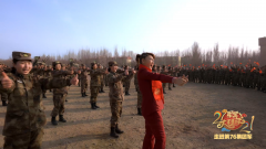 【军营大拜年】演训场上的广场舞 一起点赞美好新时代