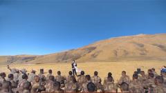 【军营大拜年】《夜空中最亮的星》送给驰骋高原的坦克队伍