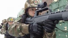 穿越火线 直击武警新疆总队实战环境下的战场救护演练
