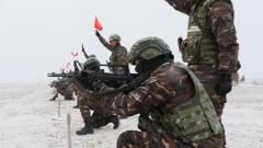 零下15℃ 直击特战队员雪中实弹射击