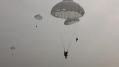 【直击演训场】三天两夜 空军空降兵展开综合技能比武