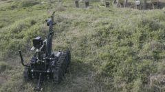【直击演训场】新型排爆机器人亮相演训场