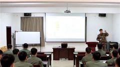 军体专家向舰载机部队官兵传授体能训练经验