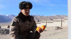 高原上有堂特殊的教育课:新兵们将自己喜欢的东西献给他们心中的英雄