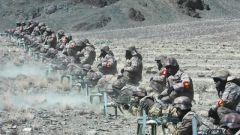 喀喇昆仑 高原新战士首次高海拔实弹射击