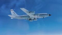 俄罗斯战机太平洋上空伴飞美国侦察机