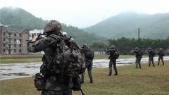 驻澳门部队特战队员开展等级评定考核
