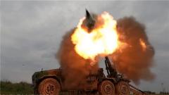 够精准 够快速 新型车载榴弹炮开打