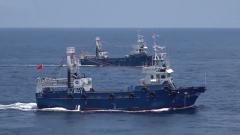 海军第37批护航编队首次为中国渔船队实施伴随护航