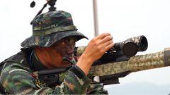 武警湖南总队:理论课堂搬到训练场 提升特战队员狙击能力