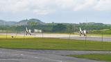 近日,南部战区海军航空兵某旅紧贴实战要求,组织开展飞行训练,进一步锤炼部队全天候作战能力,提升飞行员技战术水平。图为待命
