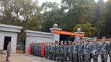 近日,联勤保障部队某仓库经过持续奋战,高效完成近2万件(套)军械装备接收任务。下面一起来看看军械尖兵在任务一线的高光时刻!图为动员现场