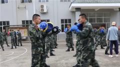 """""""拳""""力以赴 近距离感受武警官兵搏击训练"""