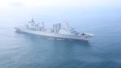 【直击演训场】黄海海域 可可西里湖舰参加海上联合补给训练