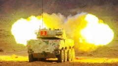 戈壁亮剑!直击装甲车实弹射击训练