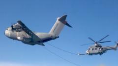 揭秘!加油机如何给直升机加油